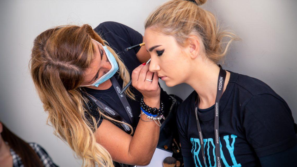 Pixel C3 e Makeup Academy per Evening Dresses Show